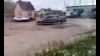 Ispudingas driftas i traktoriu (parvaziavom namo vadinas)