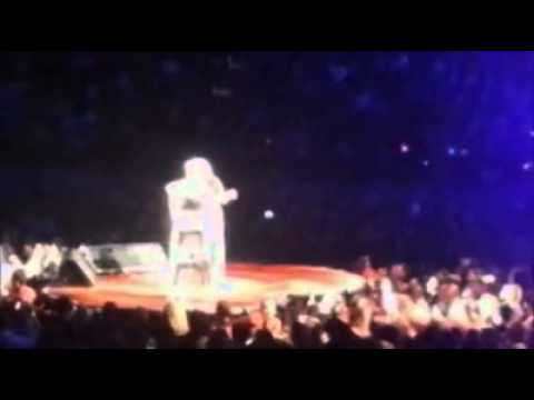 Pink - Beam Me Up (Melbourne 17/07/2013) WITH INTRODUCTION