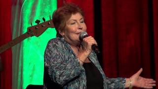 "Helen Reddy sings ""I Am Woman"" at the Arcada Theater!"