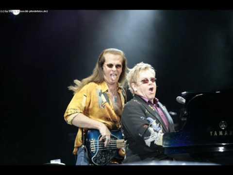 Elton John- Crocodile Rock (Live 2009)