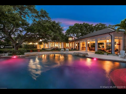 Ridiculously-Luxurious-Houses-In-The-World-Jupiter-Florida