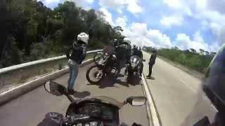 Foi mexer com motociclistas... Vejam no que deu. [Trollando namorada]