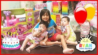 Twin's 1st Birthday Party Surprise Toys Opening Presents with Ryan ToysReview Emma and Kate