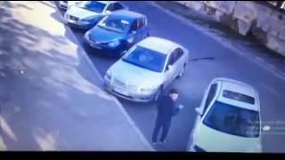 Одесса разбил стекло забрал сумку(, 2016-10-25T10:43:59.000Z)