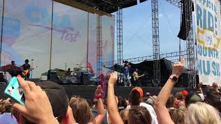 90's country hit medley by Chris Lane at the CMA Fest 2018