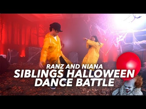 SIBLINGS HALLOWEEN DANCE BATTLE (IT REMIX) | Ranz and Niana