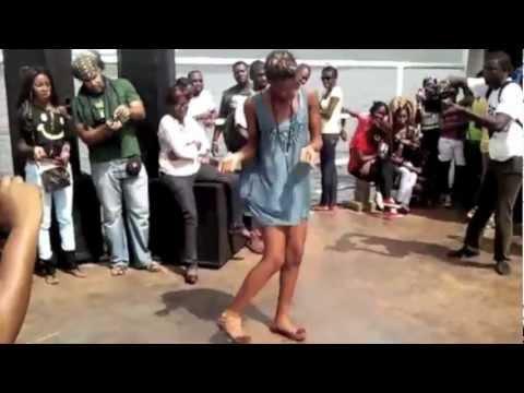 Azonto in hausa (Zanni Bissa) - MoeSBW