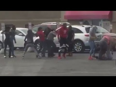 Brawl at Family Dollar in Milwaukee caught on camera