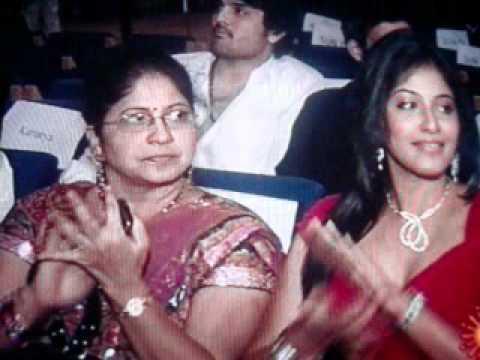 Shreya Ghoshal- Un Perai Sollum Podhe(Angadi Theru)-Filmfare Award 2011