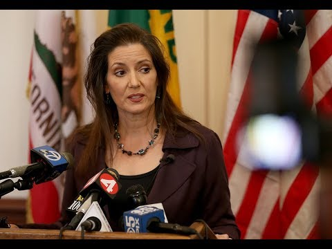 Oakland Mayor Libby Schaaf defends her ICE raid warning statement