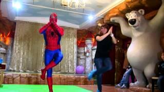 Человек паук на детском празднике