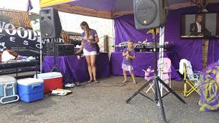 Viking tailgate, Emma performing
