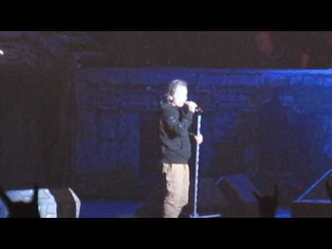Iron Maiden - Live St. Louis, Mo. Hollywood Amp - 7/12/17. Bruce Chatting