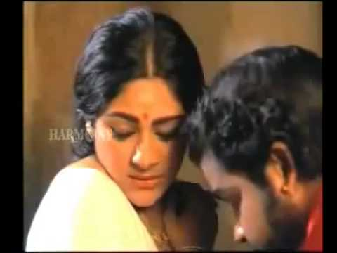 mallu-naked-boobs-kissed-men-drinking-piss-from-womentures