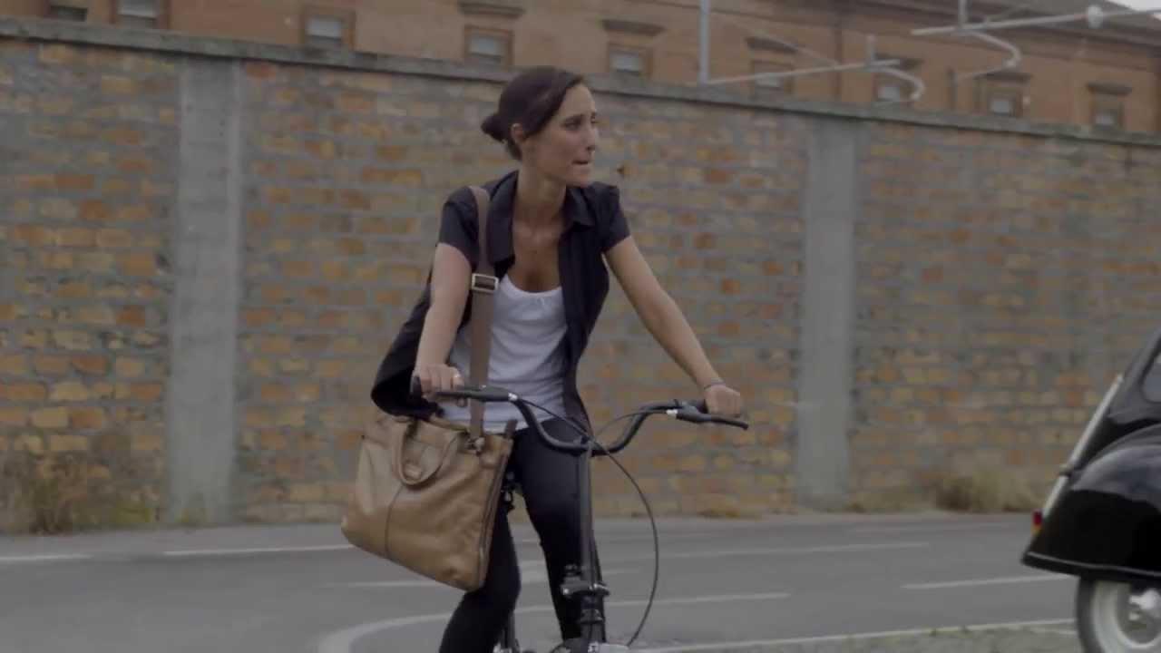 Be Easy Pieghevole.Be Easy La Bici Pieghevole Piu Trendy Del Momento Al Lavoro