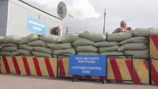 Видео ПН: Пробки на въезде в Крым из-за пограничников РФ(, 2014-05-01T07:53:33.000Z)