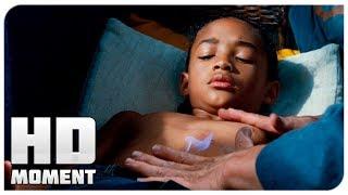 Мистер Хан лечит Дре после побоев - Каратэ-пацан (2010) - Момент из фильма