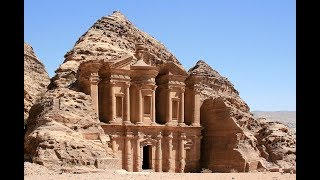 Landmarks That COULD Be The 8th World Wonder!