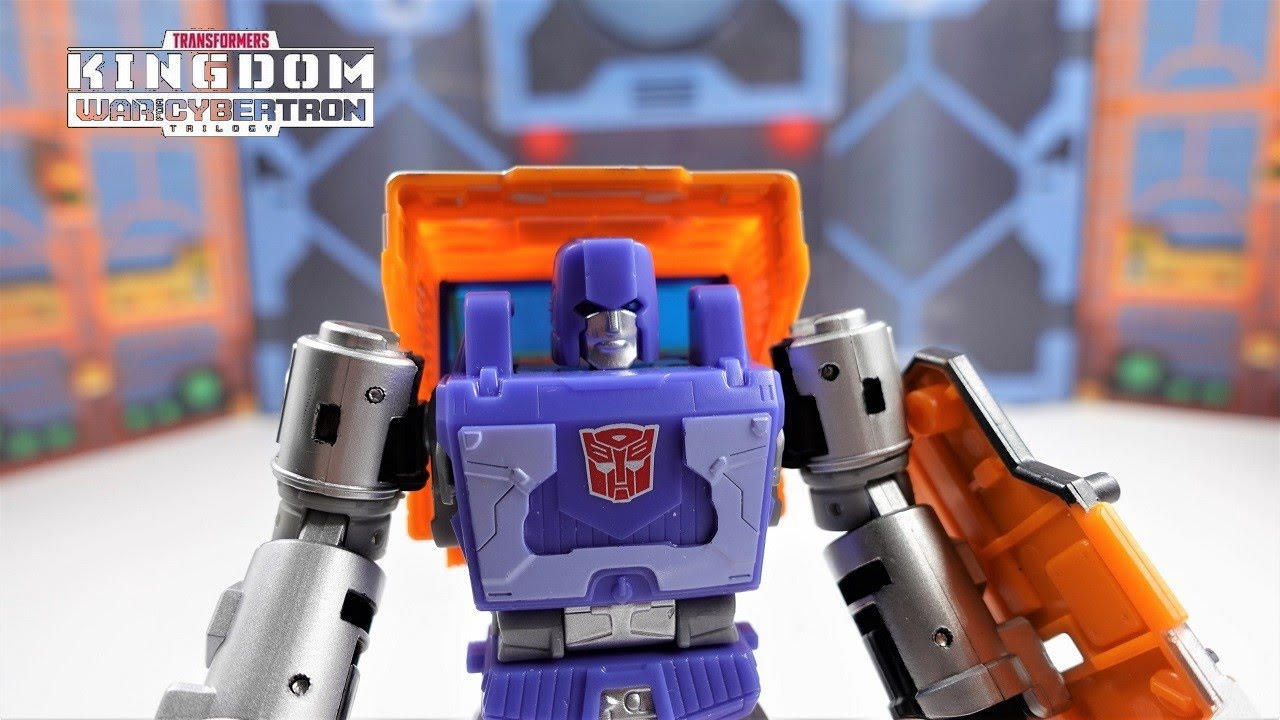 Transformers War For Cybertron Kingdom Deluxe Huffer 4K Review by bvzxa3