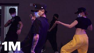 BAEKHYUN - Bambi / Kamel Choreography