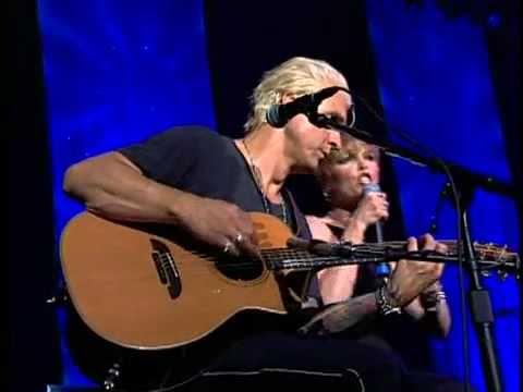 [07] Pat Benatar - Love Is a Battlefield - Live 2001