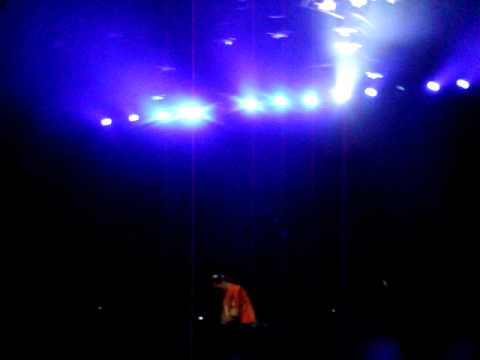 Tiesto Chicago - Halloween 2009 - Eric Prydz - Pjanoo (Dada Life Remix)