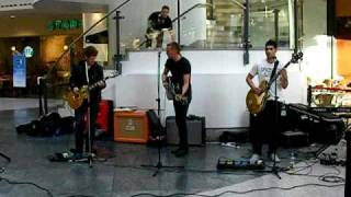 Fox Force Five - Cinnamon Girl (Neil Young Cover) @ Manchester Arndale