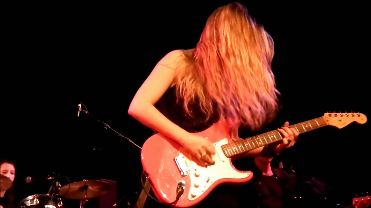 joanne-shaw-taylor-shiver-and-sigh-falmouth-adiej62
