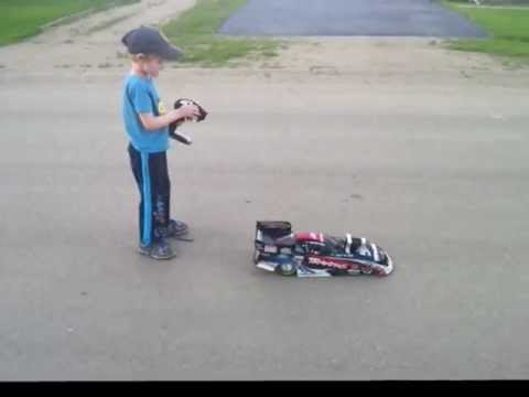 Traxxas NHRA Funny Car    So Easy a 5 Year Old Can Run It!