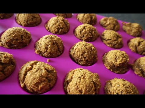Toddler Food | Healthy Whole Wheat Pumpkin Mini Muffins