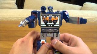 G1 Transformers Review: Soundwave Transformer