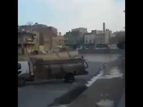 شاهد بالفيديو : وصول السيل الى العاصمه اليمنيه صنعاء بشكل مفاجئ دون هطول للامطار .