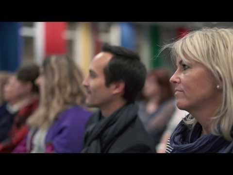 Gabriel Palacios mit dem Platz 1-Bestseller «Wer tut dir gut?» in Olten, in Kooperation mit Weltbild