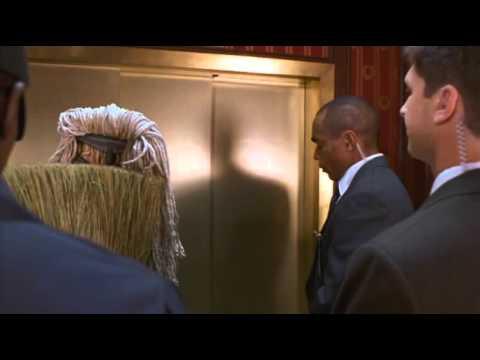 Murder at 1600 (1997) Elevator scene