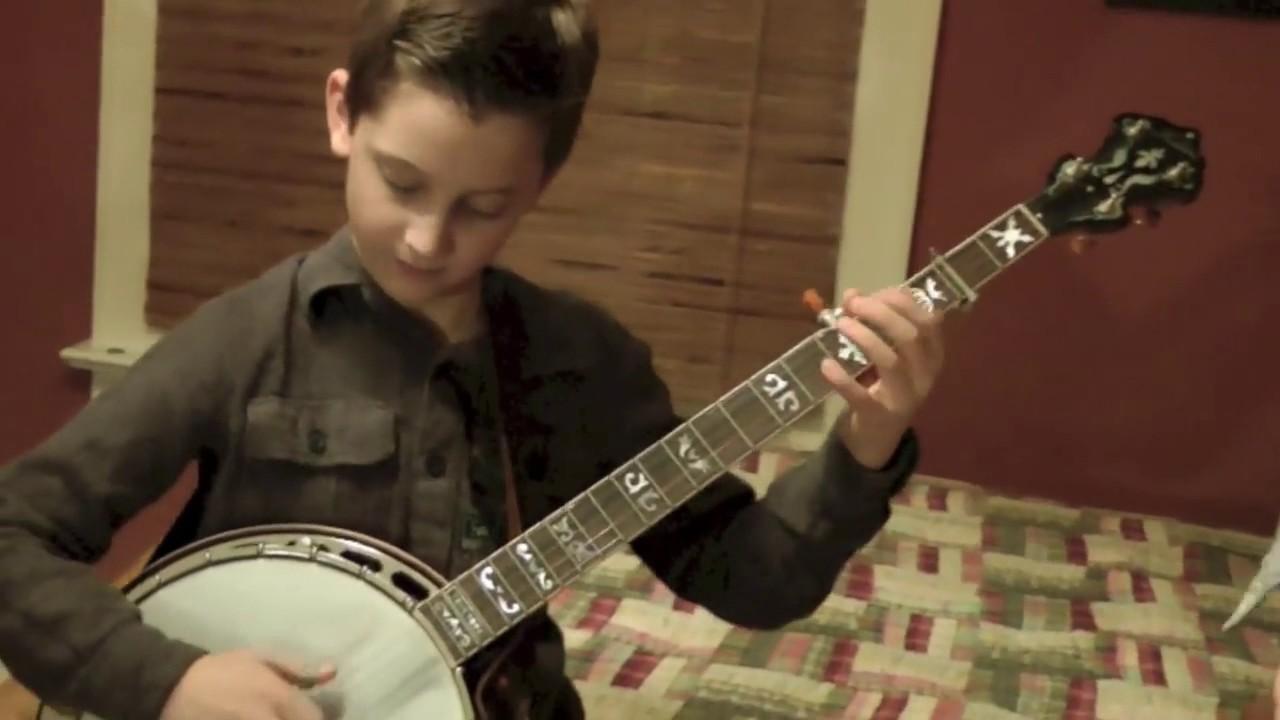 10 year old jonny mizzone sleepy man banjo boys rockwood deer chase youtube. Black Bedroom Furniture Sets. Home Design Ideas