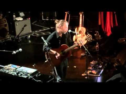 Thom Yorke - Fake Plastic Trees (Acoustic) @ Le Trianion, Pathway To Paris 05/12/2015