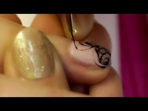 How To Paint Thin Lines On Nails – Tutorial With Extra Zoom