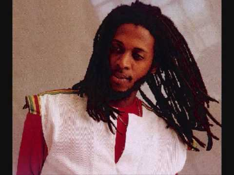 Ini Kamoze - Here Comes the Hot Stepper