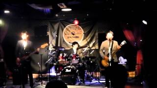CROSSOVER LIVE Two Chairs【TRICERATOPS】コピー