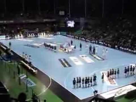 Entrée des joueurs de hand du Partizan de Belgrade et du hbcn