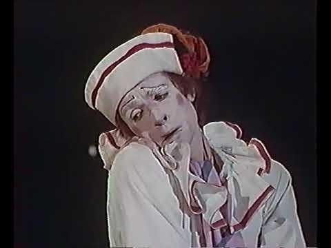 PETROUCHKA - Igor Stravinsky - Ballets russes - Opéra de Paris 1976 [v2]