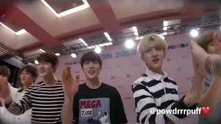 FANCAM - GOLDEN CHILD HI TOUCH - Kcon LA 180812