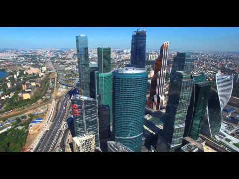 Москва Сити   полет  вид сверху!