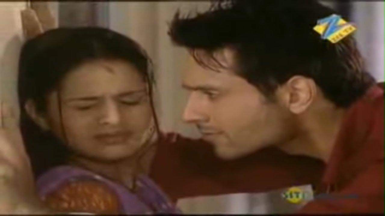 Download निभाए क्या? पति पत्नी का रिश्ता   Sanjog Se Bani Sangini   Best Romantic Scene   Zee TV