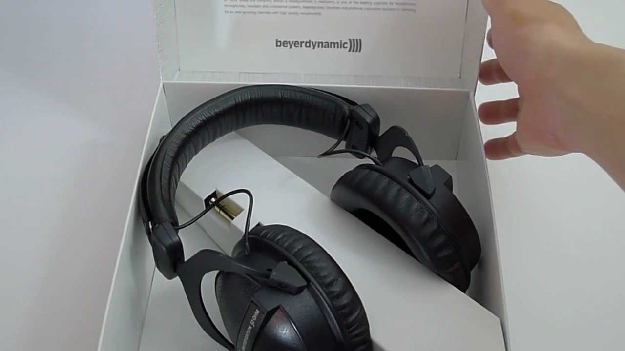 first look 88th anniversary beyerdynamic dt 770 pro 32 ohms youtube. Black Bedroom Furniture Sets. Home Design Ideas