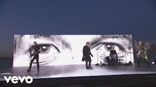 u2 get out of your own way live from the 60th grammys ®