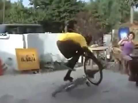 video lucu freestyle sepeda onthel - YouTube