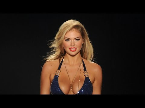 Thumbnail: Kate Upton Stuns in Sexy Bikinis on 'Sports Illustrated' Swimsuit Covers!