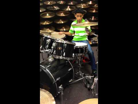 Freestyle Drumming At Sam Ash Music Store