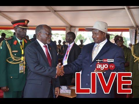 Mastaa wa Bongofleva walivyoimba mbele ya Rais Museven na JPM na kupewa heshima hii